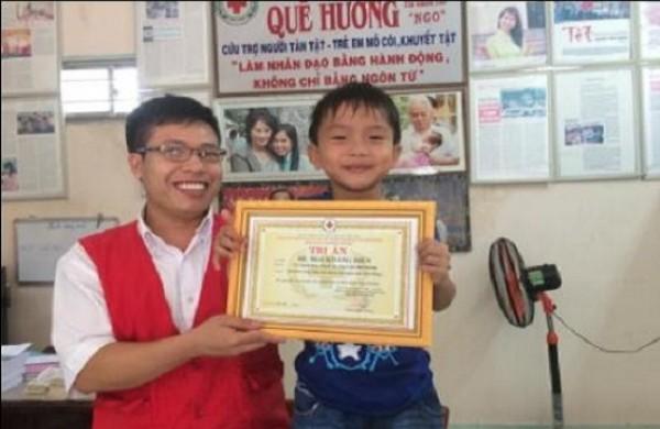 Bé Mai Khang Điền 7 tuổi