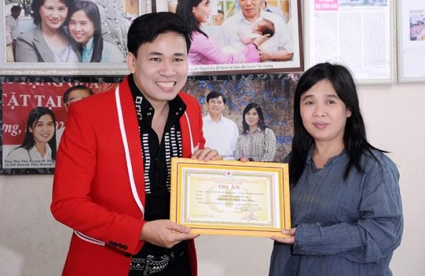 """Công ty Diên Khánh (Michael Lang) và đoàn từ thiện """"cây kéo vàng"""" của Nhật Bản"""