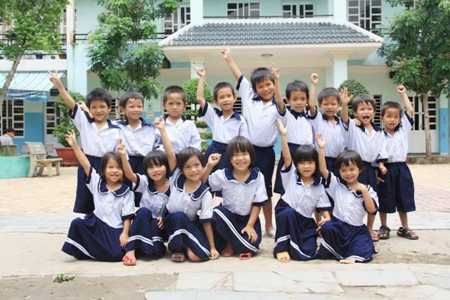 Dự án học bổng và hỗ trợ giáo viên 2017 – 2018 tại Trung Tâm Nhân Đạo Quê Hương