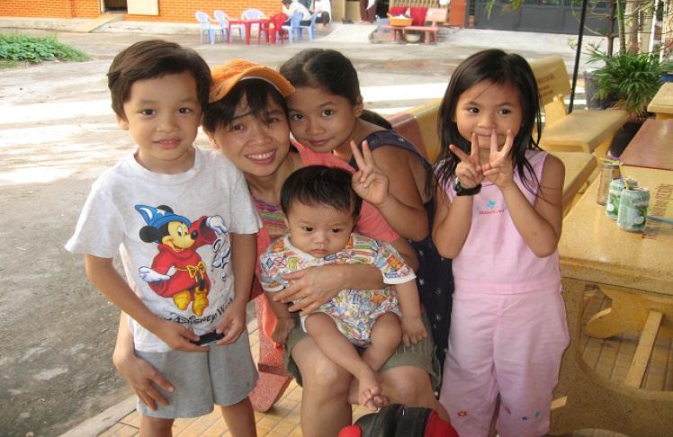 Huỳnh Tiểu Hương – Cứu tinh của trẻ mồ côi, bất hạnh