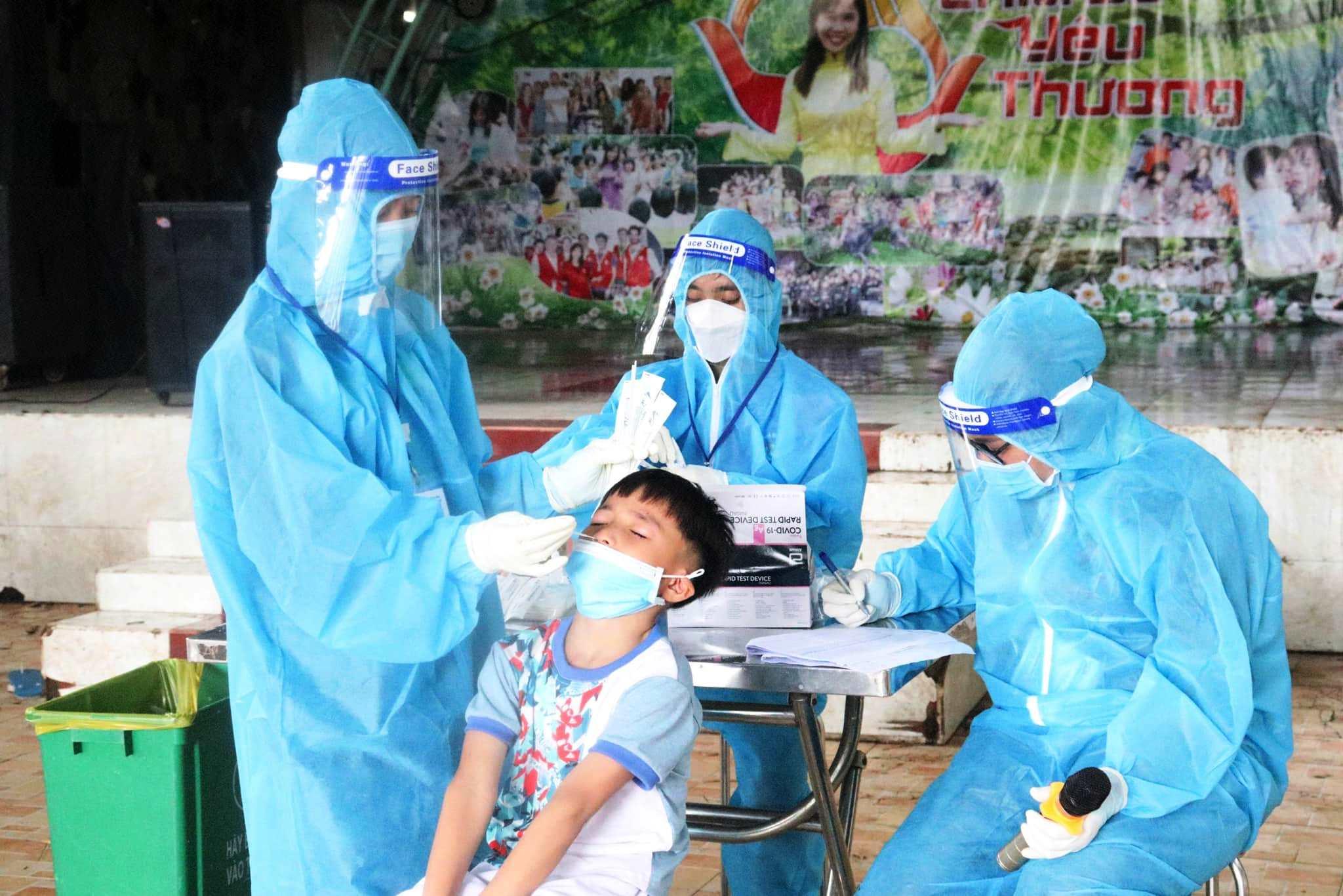 Cách ly tại chỗ 106 ca dương tính với SARS-CoV-2 tại Trung tâm nhân đạo Quê Hươn