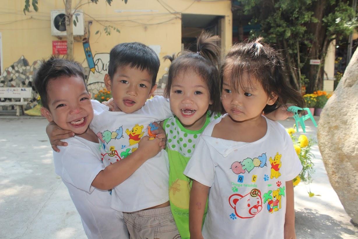 338 trẻ cô nhi tri ân các nhà hảo tâm xa gần