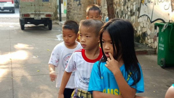 Please help 342 children orphaned at que huong charity center