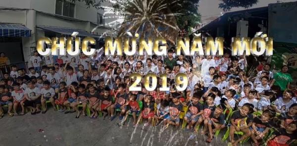 345 Trẻ Mồ Côi Chúc Mừng Năm Mới 2019